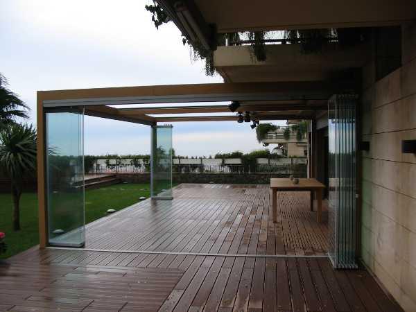 Cerramientos para terrazas en barcelona cristaleria aluspai for Cerramientos oficinas
