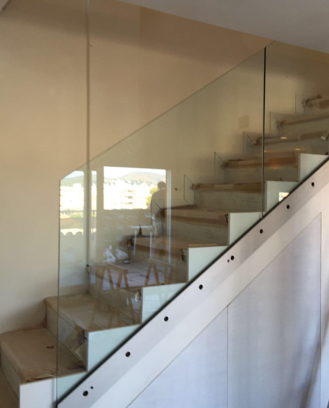 Barandillas Y Barandales De Cristal En Barcelona Cristaleria Aluspai ~ Barandillas De Cristal Para Escaleras Interiores